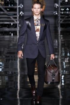 Versace (1)