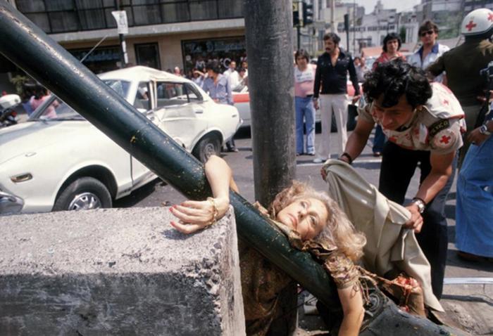 Adela Lagorreta Díaz atropellada por un Datsun (1979), Enrique Metinides